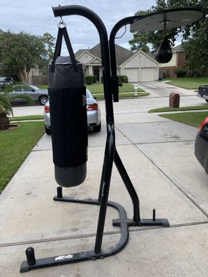 Everlast Punching Bad with stand & Title Gyro Speed Bag for Sale in Channelview, TX