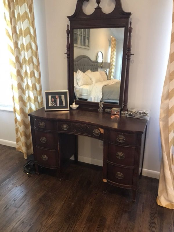 Gorgeous Antique Vanity with Mirror