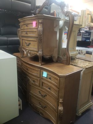 Dresser and mirror and 1 night stand new scratch n dent firm price Financing available for Sale in Orlando, FL