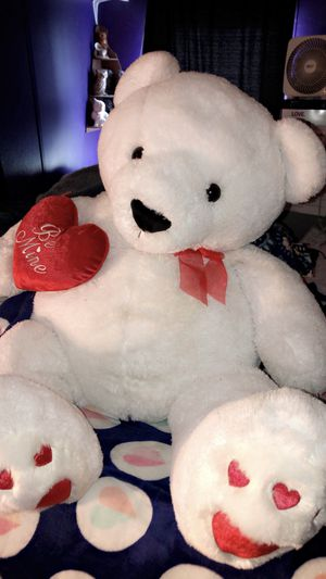 Big teddy bear for Sale in Smithfield, NC