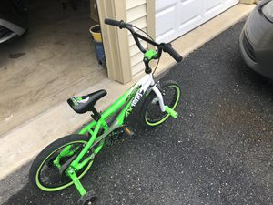 """16"""" inch AX1600 Avigo Extreme freestyle bike for Sale in Clinton, MD"""