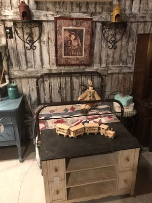 Vintage Metal bed for Sale in Red House, WV