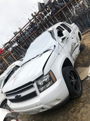 2008 CHEVY AVALANCHE PARTING OUT for Sale in Fresno, CA