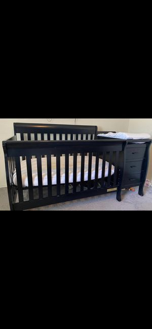 Crib with mattress for Sale in Fort McDowell, AZ