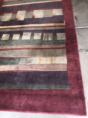 Red area wool rug used $100.00 need to pick up for Sale in Avondale, AZ