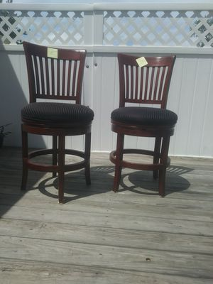 2 Very nice Bar stools for Sale in Eastlake, OH