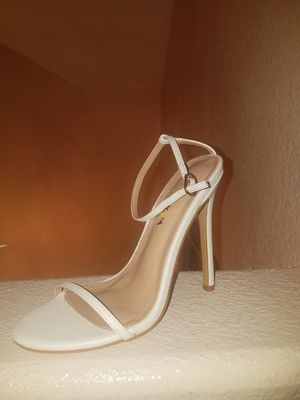 High heels size 6 for Sale in El Paso, TX