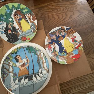 Disney Snow White Collectible Plates for Sale in Long Beach, CA