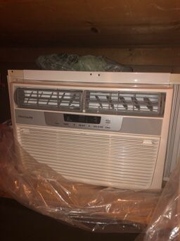 Frigidaire A/C Unit for Sale in Avon, OH