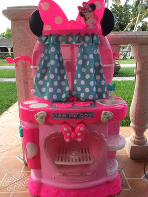 DISNEY MINNIE MOUSE SWEET SURPRISES KITCHEN REALISTIC BURNER SOUNDS ! FAUCET DRIPS !*CHECK OUT ALL MY OFFERS * SERIOUS BUYERS PLEASE for Sale in Miami, FL
