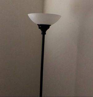 Floor lamp for Sale in Rancho Cordova, CA