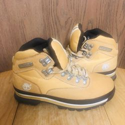 Timberland Boots Men's 6.5 Women's 7.5 for Sale in Lansing,  MI