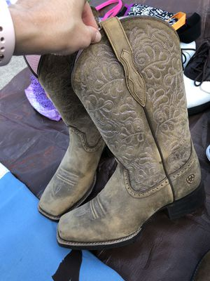 Women's Ariat boots - size 7.5 for Sale in Seminole, FL