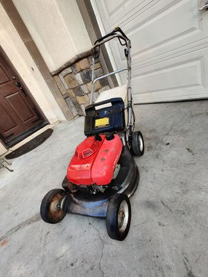 Honda commercial self-propelled lawn mower in good working condition for Sale in Riverside, CA