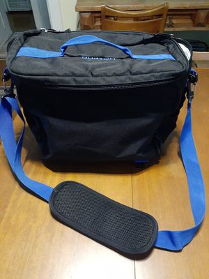 Burton travel cooler bag camping clean! for Sale in San Diego, CA