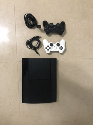 Ps3 with 2 controllers and fifa16 for Sale in Lake Wales, FL