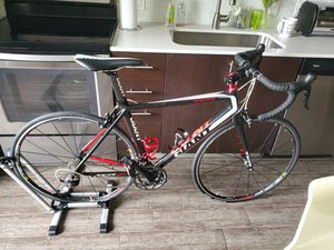 Giant TCR road bike, shimano components size M for Sale in Miami, FL