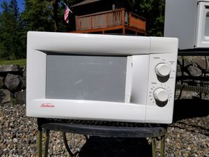 Sunbeam Microwave for Sale in Roy, WA