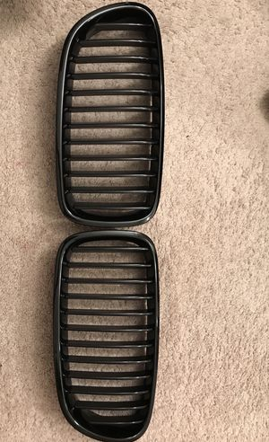 Bmw 535i Gloss black grills for Sale in Alexandria, VA
