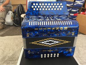 Accordeon Rossetti 31/12 blue tono sol for Sale in Lynwood, CA