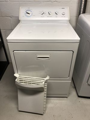 Like New Kenmore 800 series Dryer with Dryer Rack for Sale in West Springfield, VA