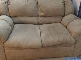Cozy Tan Loveseat - Gently Used.....with a small hole for Sale in Columbus,  OH