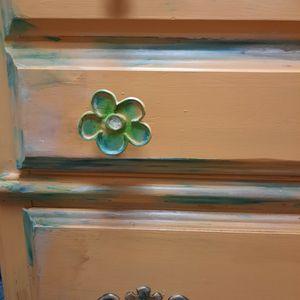 Bassett Brand Dresser Freshly Repainted for Sale in Kent, WA