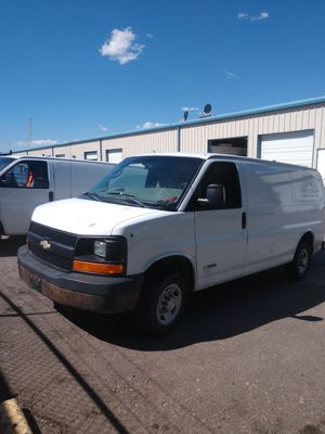 2500 Chevy Express 2004 for Sale in Denver, CO