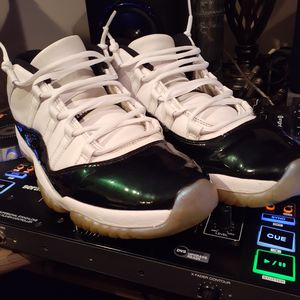 Jordan emrald 11s for Sale in Cincinnati, OH