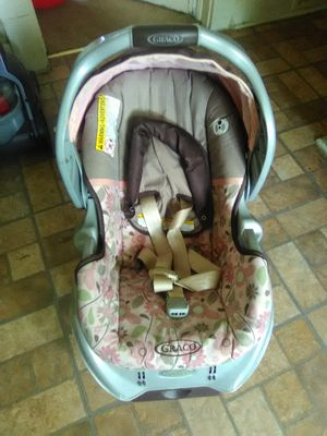 Graco car seat and base for Sale in Cleveland, OH