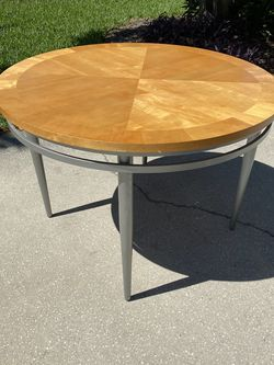 Dining Room Table for Sale in St. Petersburg,  FL