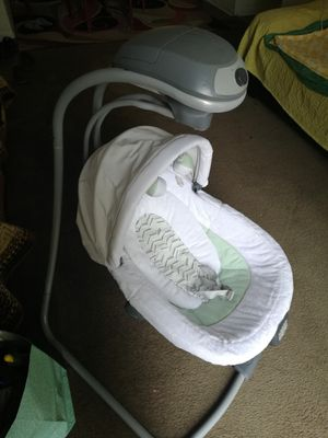 Graco Oasis Swing with Music and Vibrations for Sale in Atlanta, GA