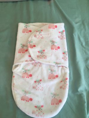Newborn swaddle me new for Sale in Santee, CA