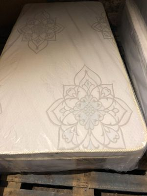 ORTHOPEDIC PILLOWTOP MATTRESS AND BOX SPRING for Sale in Justice, IL