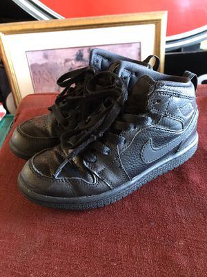 Used Nike Air Jordan 1/ AJ1 All Black Mid Kids Size 13c Shoes. for Sale in Ontario, CA