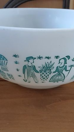 Pyrex bowl /Mixing Bowl for Sale in West Carson,  CA