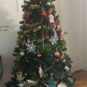 6.5 Ft Christmas Tree for Sale in Alexandria, VA