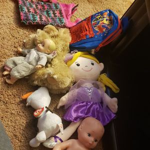 Free misc. dolls/toys for Sale in Apple Valley, CA