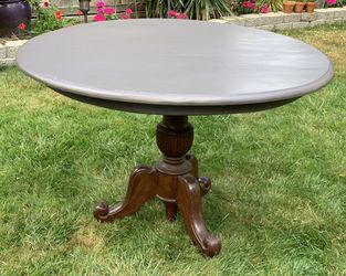 Antique Solid Wood Pedestal Table for Sale in Monroe,  WA