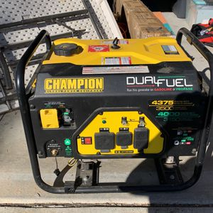 Generator $275 Dual Fuel Runs Great for Sale in Winchester, CA