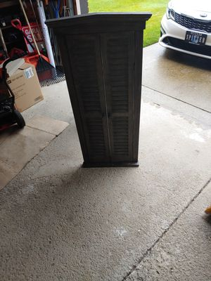Large mirror with shutter type doors. for Sale in MIDDLEBRG HTS, OH