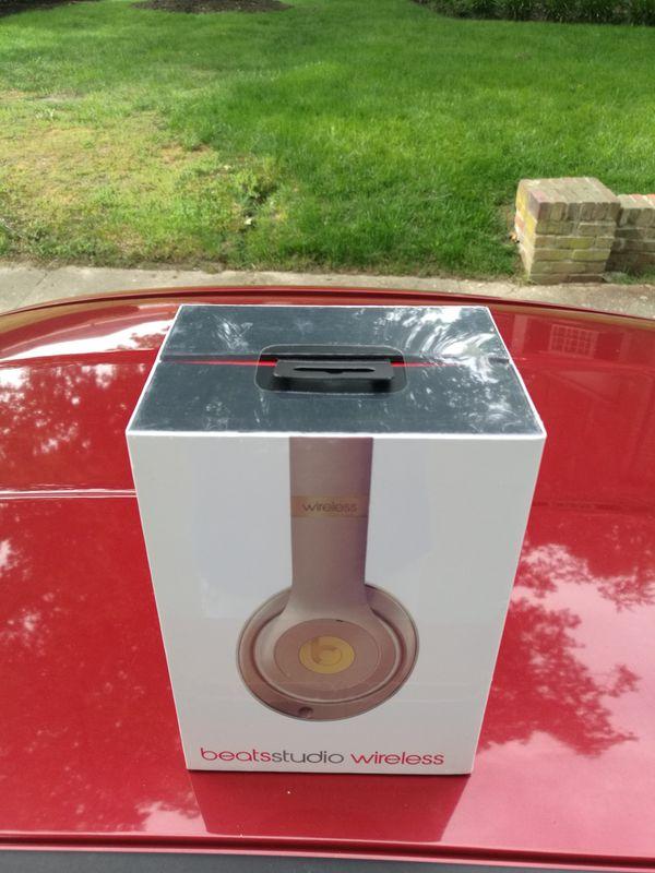 Gold / Studio 2.0 Beats by Dre wireless Bluetooth headset Headphone Earphones Sealed in box NEW