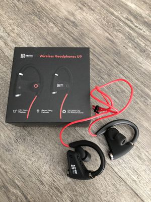 Bluetooth earbuds earphones headphones noise cancelling for Sale in Tampa, FL