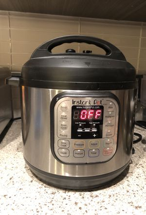 Used 3-1 6 quart instant pot for Sale in NO POTOMAC, MD