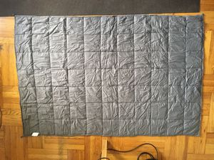 Snuggle me weighted blanket for Sale in Queens, NY