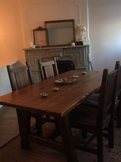 Dining Room Table With 4 Chairs for Sale in Brooklyn,  NY