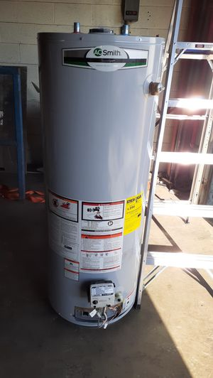 Gas water heater for Sale in Charlotte, NC
