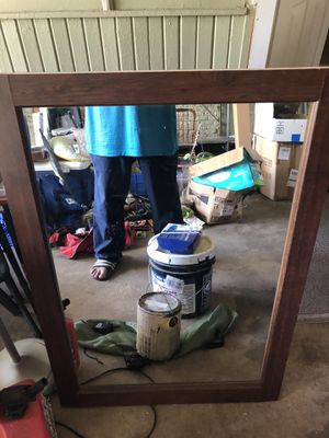 Glass mirror size 40x28 for Sale in Kilgore, TX