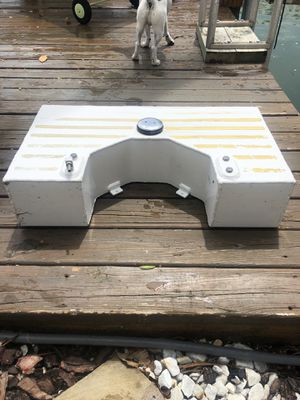 Custom gas tank. Perfect for small Boston whaler boats!!! for Sale in Miami Beach, FL