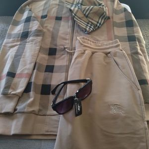 BURBERRY SWEAT SUIT WITH GLASSES and BUCKET HAT one day only for Sale in Las Vegas, NV